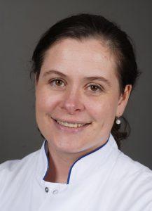 ETZ geeft patiënten en hun naasten voorlichting over osteoporose - protret internist Esther Donga