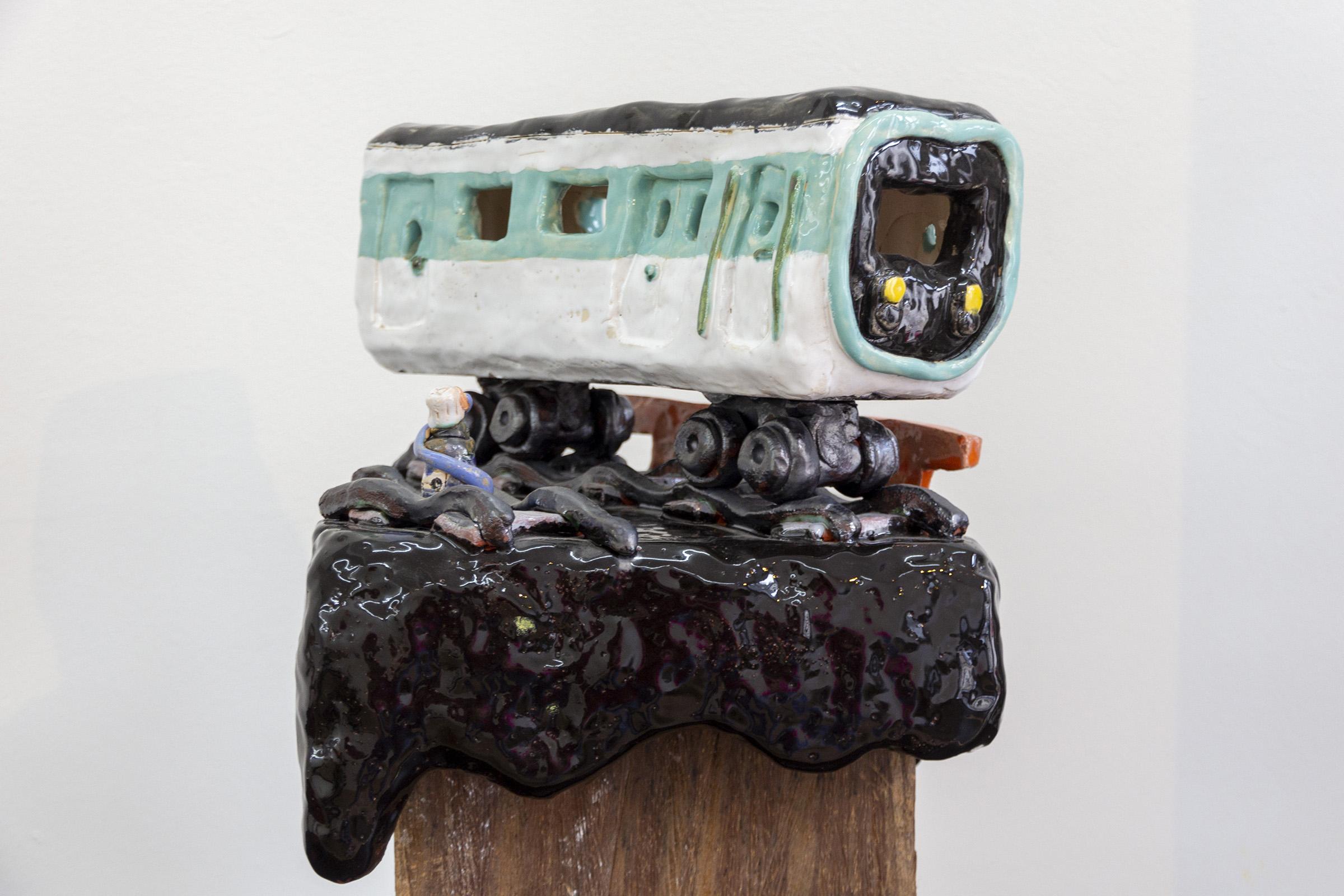 Tussen droom en daad - Guido van Amelsfoort bij Luycks Gallery - Keramieken treinstel
