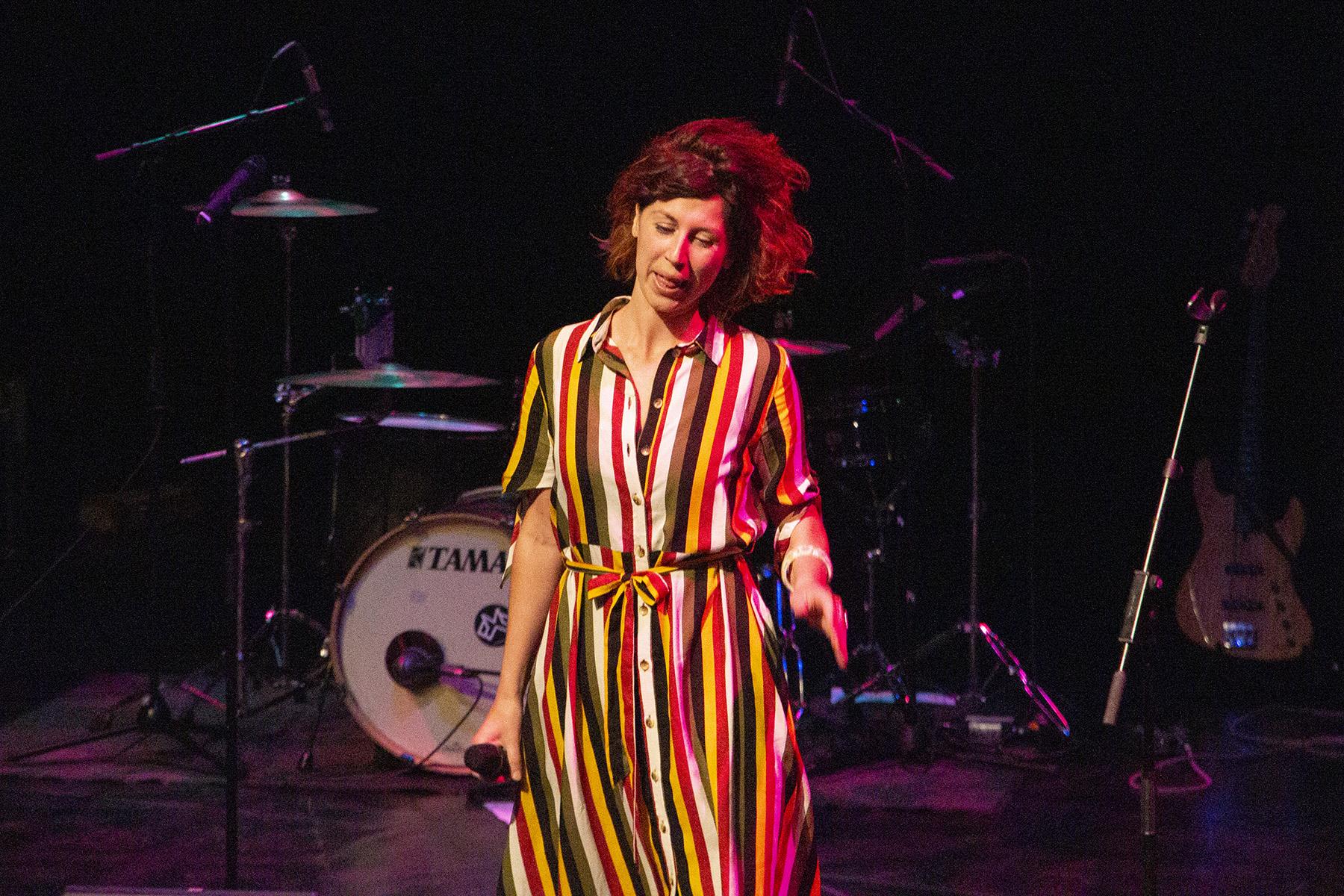 The Stage – Het optreden van Karlijn Vlaardingerbroek