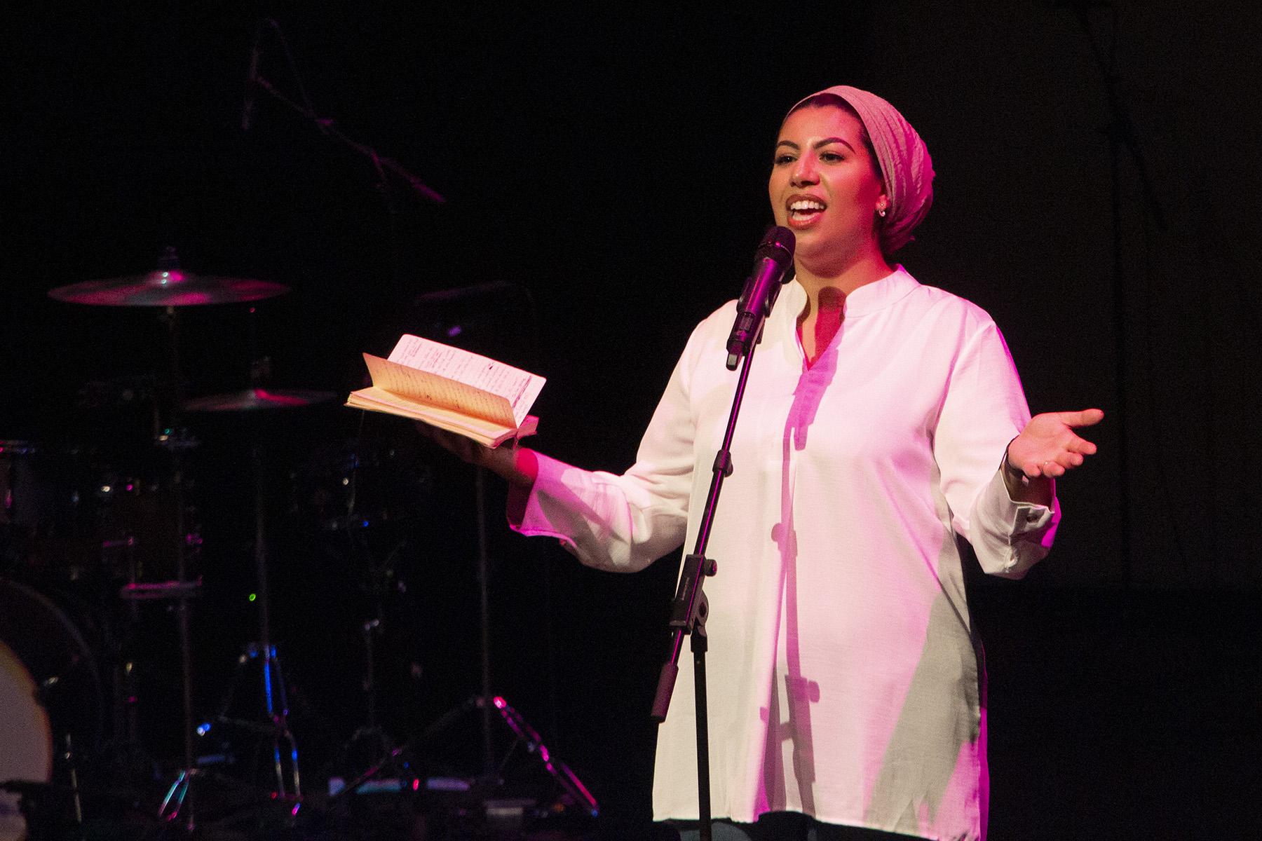 The Stage: Zwoele Zomer – Het optreden van Samirah Saleh